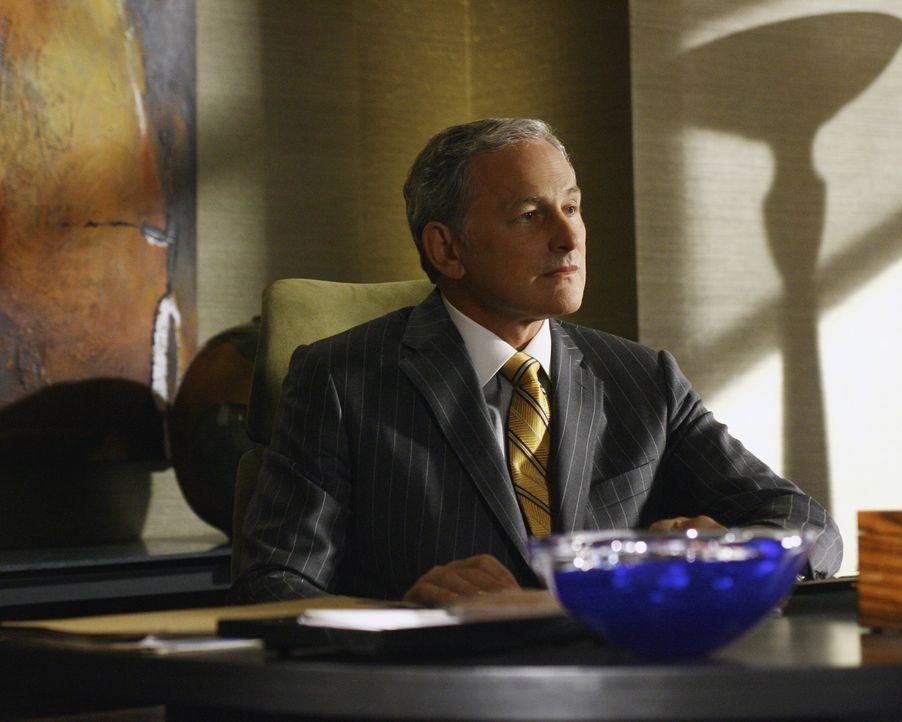 Jordan (Victor Garber) kann es nicht fassen: Eli will tatsächlich die Kirche verklagen ... - Bildquelle: Disney - ABC International Television