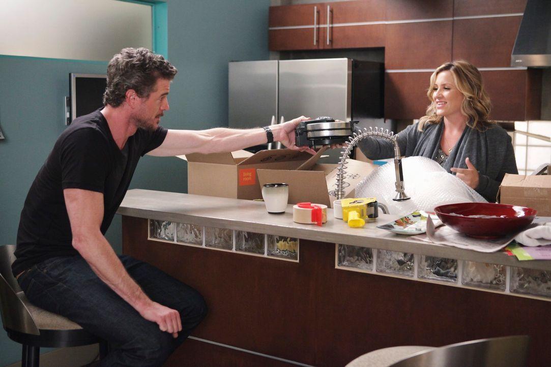 Mark (Eric Dane, l.) ist nicht begeistert von Callies und Arizonas (Jessica Capshaw, r.) Plan, nach Afrika zu gehen ... - Bildquelle: ABC Studios