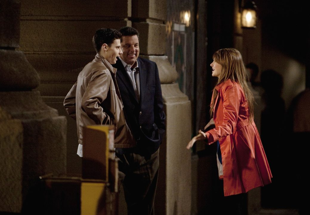 Der Umzug nach New York ist für Amy (Shailene Woodley, r.) alles andere als leicht. Sie hat mit Startschwierigkeiten zu kämpfen ... - Bildquelle: Randy Holmes 2010 Disney Enterprises, Inc. All rights reserved.