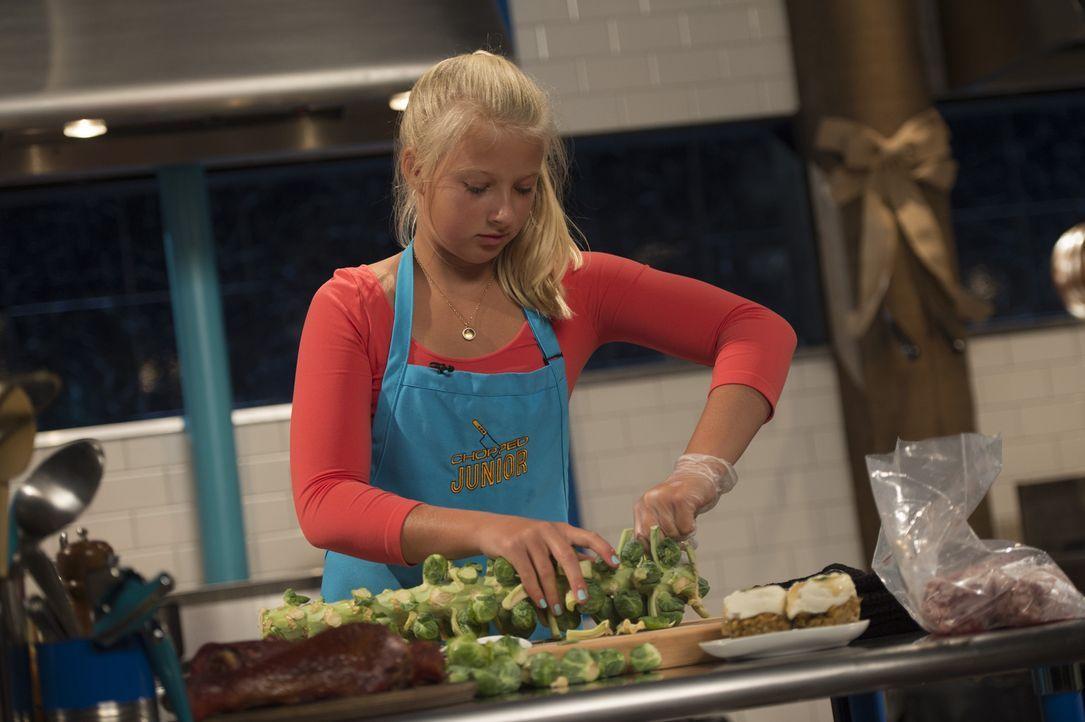 Nur wenn Hannah mit Vorspeise, Hauptgang und Dessert überzeugt, kann sie Chopped-Champion werden. Wird sie den Geschmack der Jury treffen? - Bildquelle: Scott Gries 2015, Television Food Network, G.P. All Rights Reserved