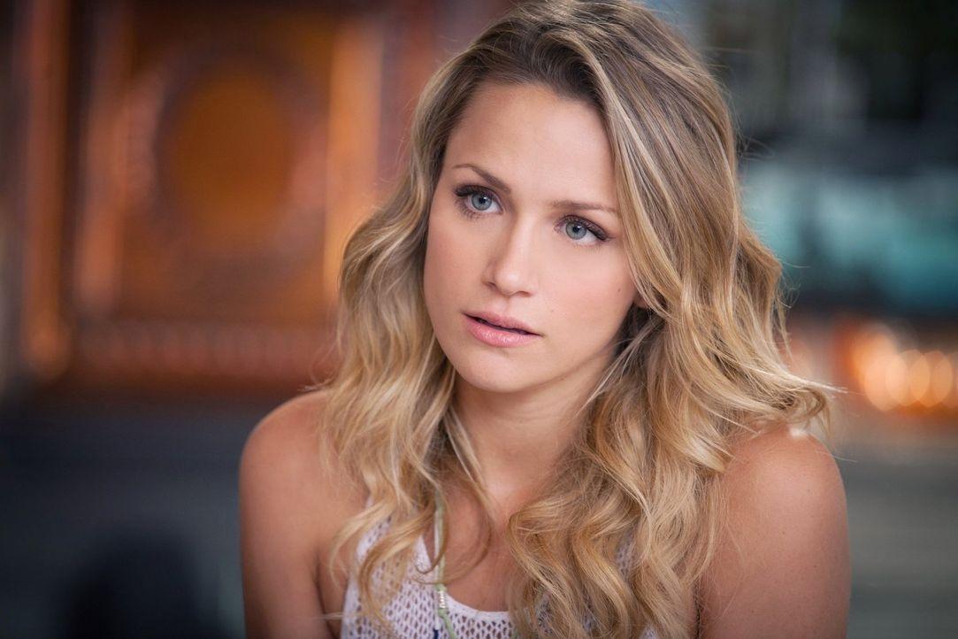 Als Quinn (Shantel VanSanten) herausfindet, dass Clay sie offenbar anlügt, wird sie misstrauisch. Was verheimlicht er vor ihr und wieso nimmt er sei... - Bildquelle: Warner Bros. Pictures