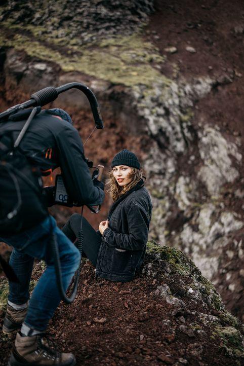 """Zwei Gegner, eine Aufgabe! Bei """"Perfect Shot"""" treten der Nachwuchs-Fotograf Claudio und die Influencerin Masha in einen spannenden Wettstreit."""