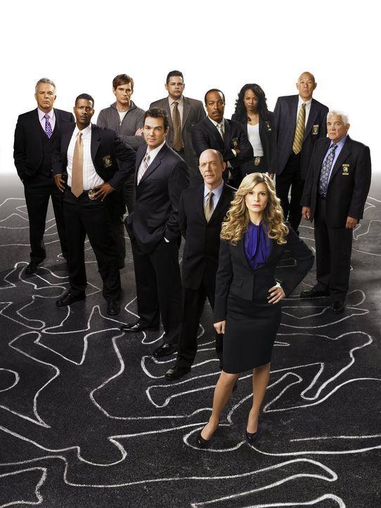 (3. Staffel) - Setzen sich für Recht und Ordnung ein: (vorne v.l.n.r.) Det. Andy Flynn (Tony Denison), Sgt. David Gabriel (Corey Reynolds), FBI-Agen... - Bildquelle: Warner Brothers