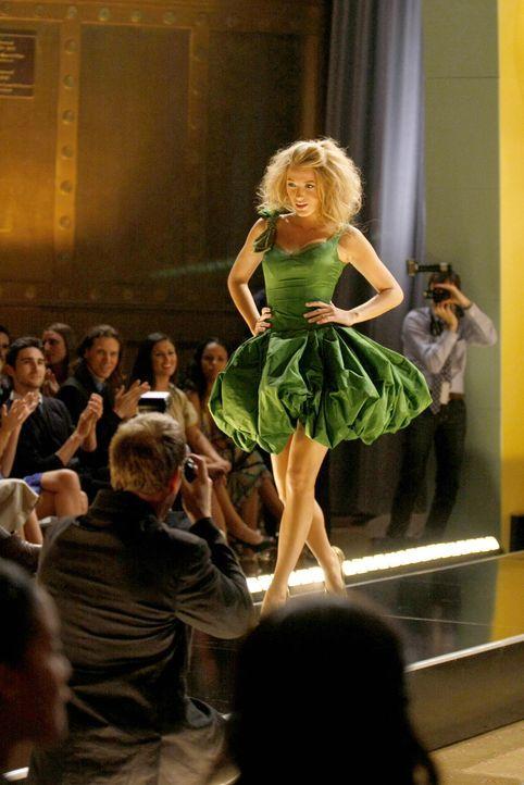 Da Blair, die Models für die Fashion-Week nach Hause geschickt hat, um Jenny eins auszuwischen, muss Serena (Blake Lively) die Situation retten ... - Bildquelle: Warner Brothers