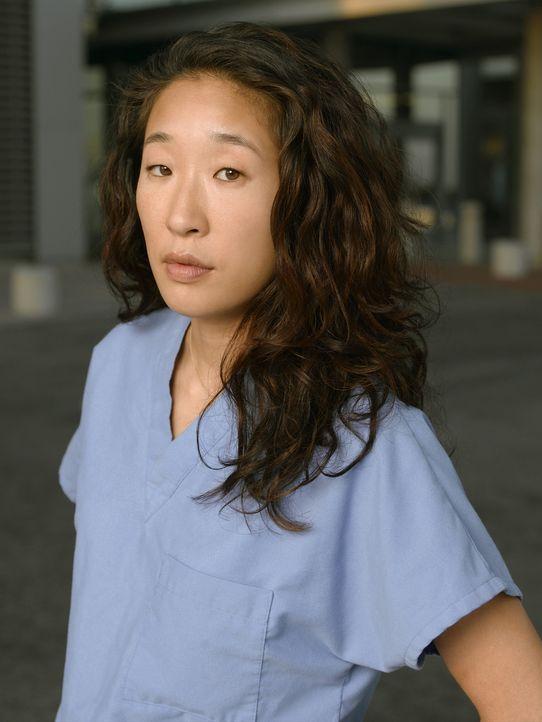 (1. Staffel) - Strengt sich an Arzt und dennoch Mensch zu bleiben: Dr. Cristina Yang (Sandra Oh) ... - Bildquelle: Touchstone Television