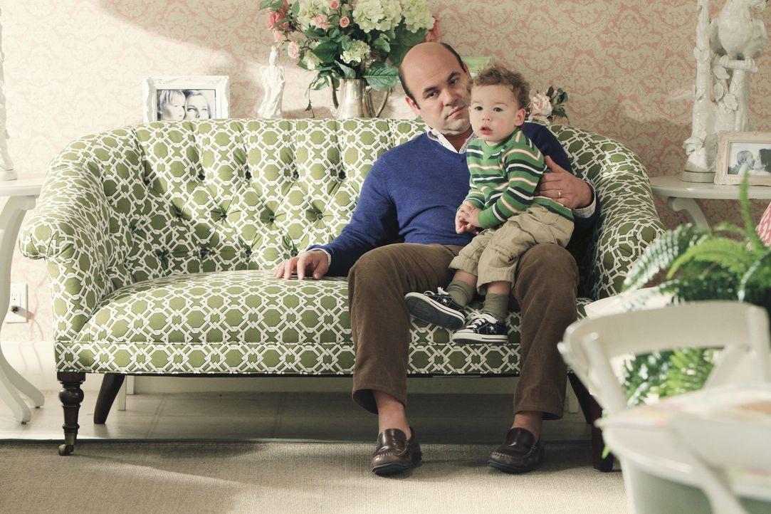 Die lieben Verwandten: Andy (Ian Gomez, l.) ... - Bildquelle: 2010 ABC INC.