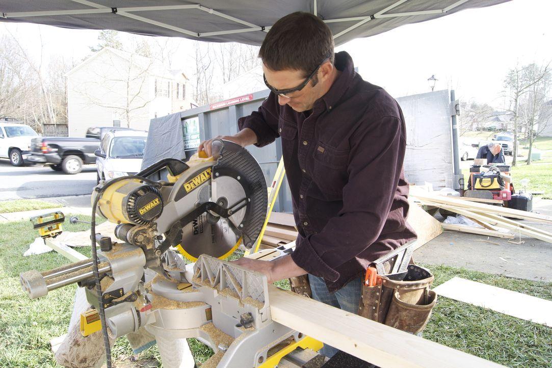 Er greift verzweifelten Heimwerkern unter die Arme: Bauunternehmer Josh Temple ... - Bildquelle: 2012, DIY Network/Scripps Networks, LLC. All Rights Reserved.