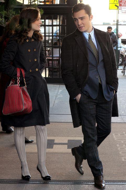 Blair (Leighton Meester, l.) hat das Gefühl, dass ihre Mutter ihr etwas verheimlicht und erzählt Chuck (Ed Westwick, r.) von ihrem Bauchgefühl.. - Bildquelle: Warner Brothers