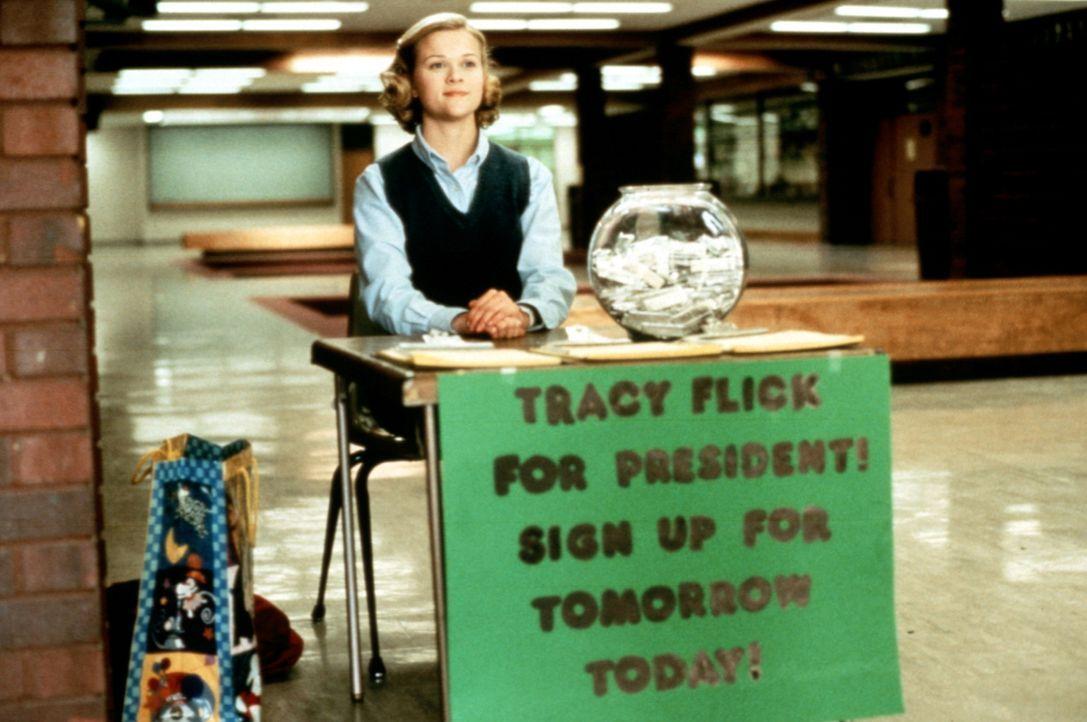 Mit aufgesetzter Tugendhaftigkeit und professionellem Einsatz will die Einser-Schülerin Tracy Flick (Reese Witherspoon) die Wahl zur Schülersprech... - Bildquelle: Paramount Pictures