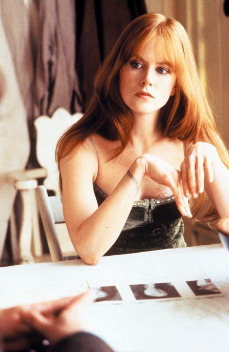 Während ihre Schwester Sally wegen des Fluchs die Hexerei an den Nagel hängt, setzt die kokette Gillian (Nicole Kidman) ihre Macht bedenkenlos ein .... - Bildquelle: Warner Brothers