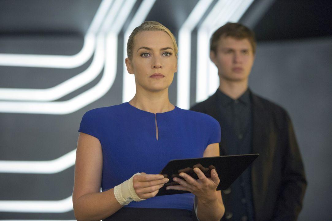 """Jeanine Matthews (Kate Winslet) repräsentiert die """"Ken"""" in der Regierung. Sie ist für die Lügen über die """"Altruan"""" verantwortlich. - Bildquelle: 2014 Concorde Filmverleih GmbH"""