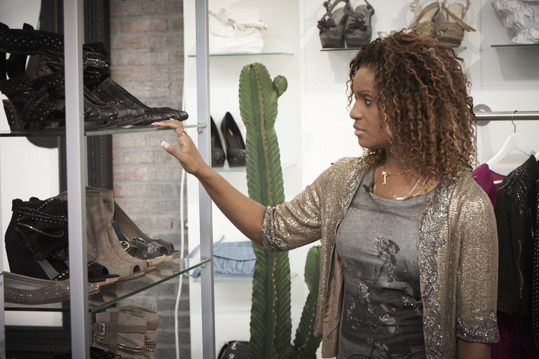 Von Daisy Dee erfahren Fashionbegeisterte, wie man mit den richtigen Accessoires unspektakuläre Mode von der Stange in stylische Outfits verwandeln... - Bildquelle: DDProductions