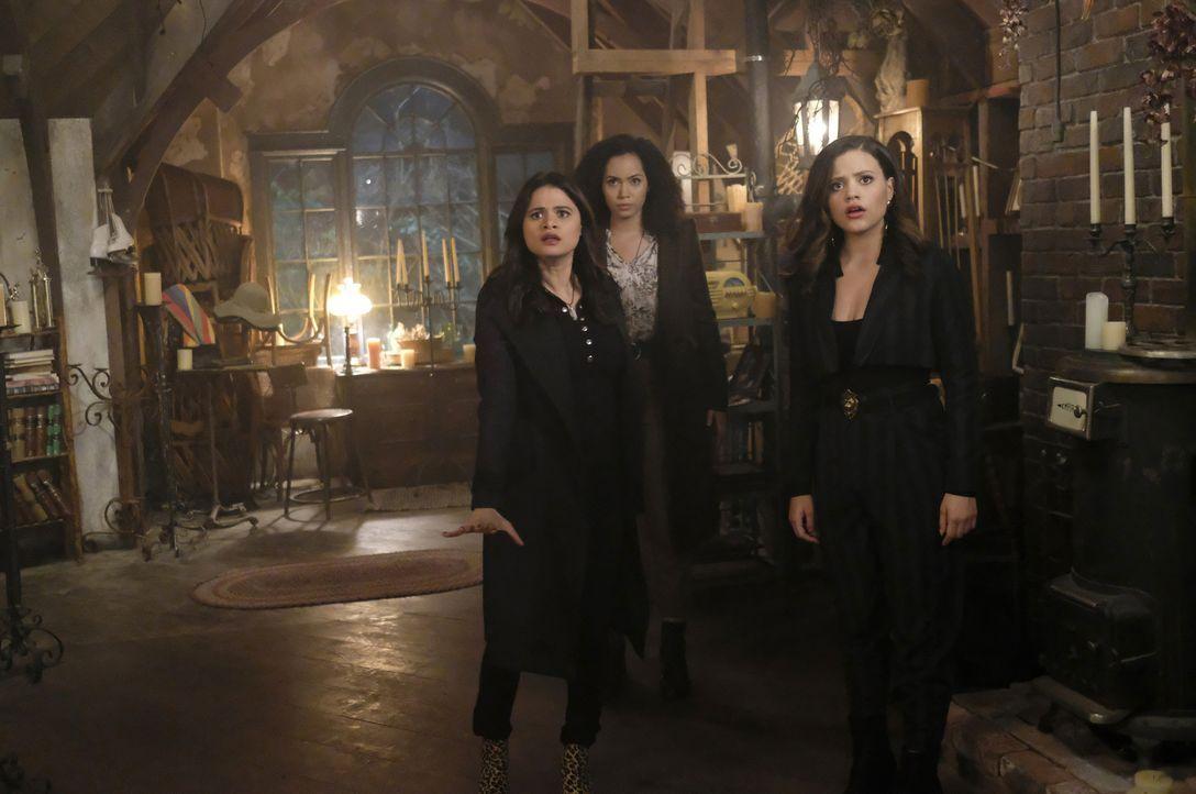 (v.l.n.r.) Mel Vera (Melonie Diaz); Macy Vaughn (Madeleine Mantock); Maggie Vera (Sarah Jeffery) - Bildquelle: Bettina Strauss 2018 The CW Network, LLC. All Rights Reserved.