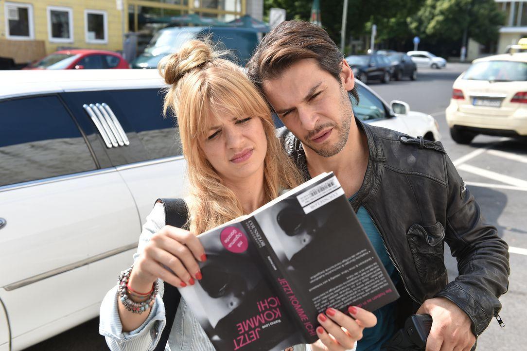 Das moderne Sexleben stellt Mila (Susan Sideropoulos, l.) und Nick (Florian Odendhal, r.) immer wieder vor Rätsel ... - Bildquelle: Andre Kowalski  SAT.1