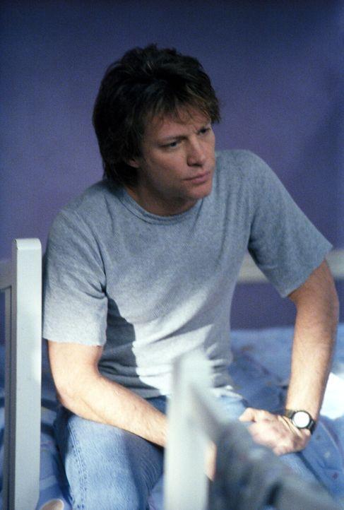 Steht Ally mit Rat und Tat zur Seite: Victor (Jon Bon Jovi) ... - Bildquelle: 2002 Twentieth Century Fox Film Corporation. All rights reserved.