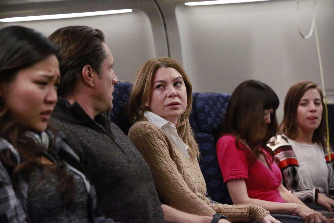 Meredith und Nathan sind auf dem Weg zur gleichen Konferenz. Als sie im Flugzeug nebeneinandersitzen, müssen sie sich ihren Gefühlen stellen. - Bildquelle: Mitch Haaseth 2017 American Broadcasting Companies, Inc. All rights reserved.