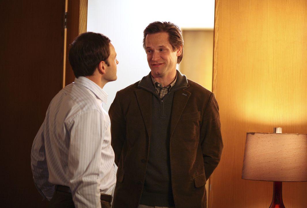 Zwei gute Freunde, die zufällig in derselben Kanzlei arbeiten: Eli (Jonny Lee Miller, l.) und Matt (Sam Jaeger, r.) ... - Bildquelle: Disney - ABC International Television