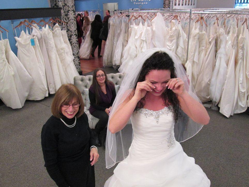 Während Rick und Leslie in New York nach neuen Kleidern für ihren Laden suchen, hoffen Noelle, Alexis und Sherri, bei Vows ihr perfektes Hochzeitskl... - Bildquelle: TLC