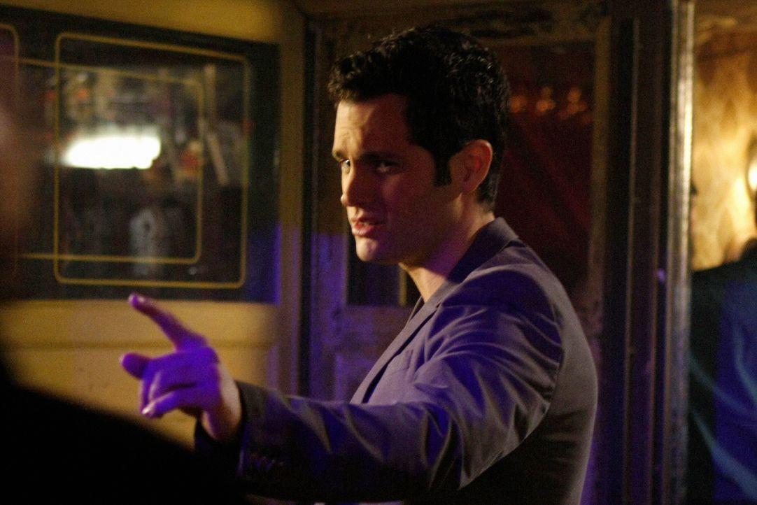 Erfährt von Chuck eine schockierende Nachricht: Dan (Penn Badgley) ... - Bildquelle: Warner Brothers