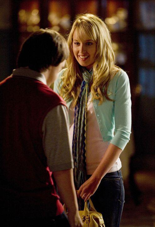 Oh, oh! Grace (Megan Park, r.) überrascht ihren Bruder Tom (Luke Zimmerman, l.) mit einer Prostituierten... - Bildquelle: ABC Family