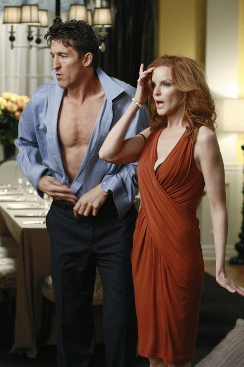 Können die Finger nicht voneinander lassen: Bree (Marcia Cross, r.) und ihr neuer Freund Chuck (Jonathan Cake, l.) ... - Bildquelle: ABC Studios