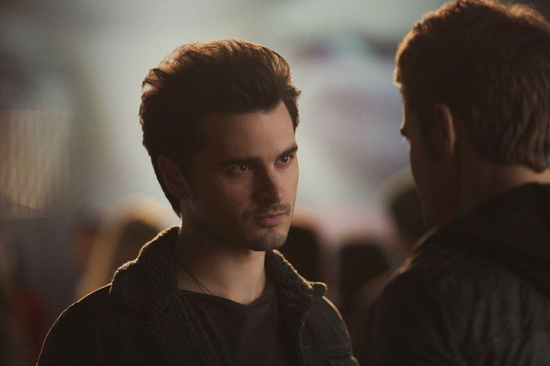 Auf der Suche nach Antworten: Enzo (Michael Malarkey) ... - Bildquelle: Warner Bros. Entertainment, Inc