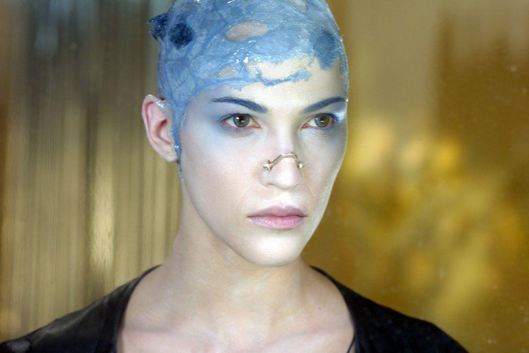 New York im Jahr 2095. Irgendwo in den Dimensionen der Megalopolis weint eine junge Frau mit blauen Haaren und milchweißer Haut blaue Tränen. Ihr... - Bildquelle: TF1 Films Productions