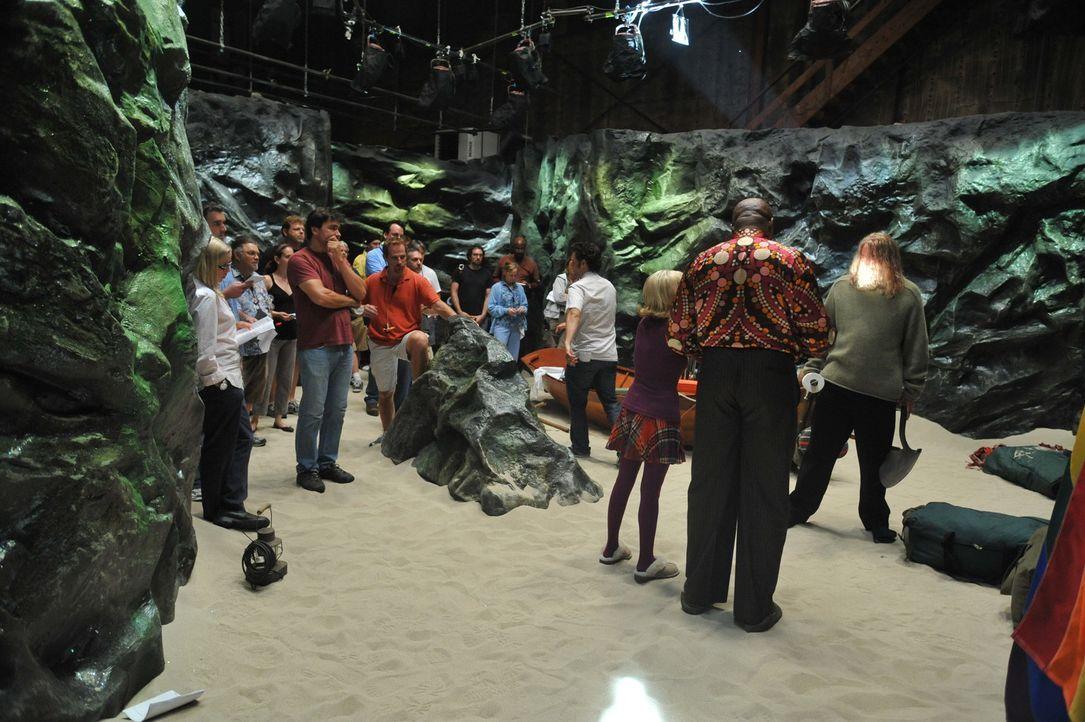 """Bei den Dreharbeiten zu """"Pushing Daisies"""" - """"Die Diorama-Dame"""". - Bildquelle: Warner Brothers"""