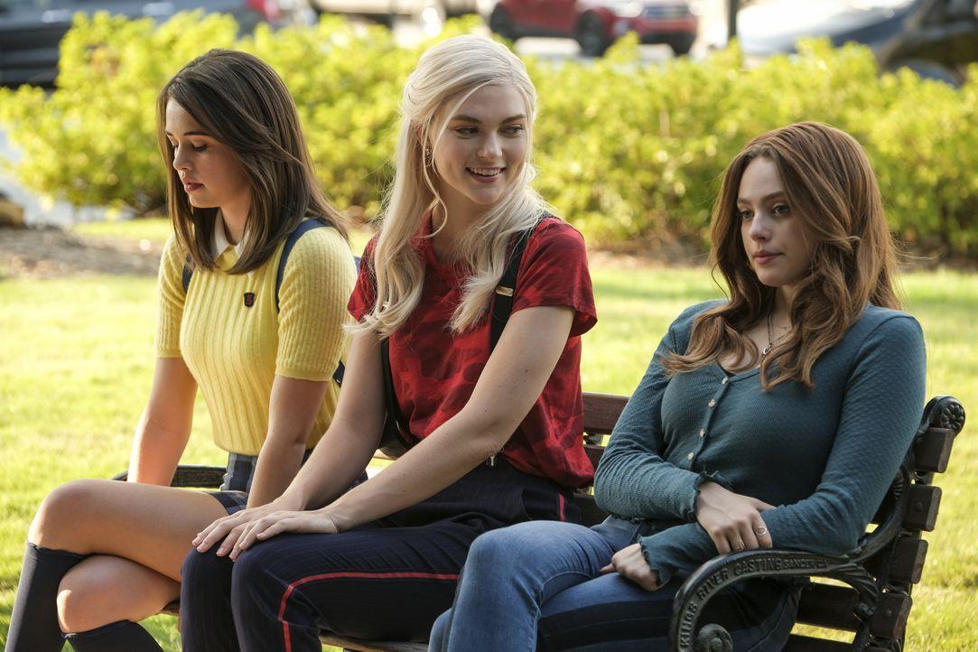(v.l.n.r.) Josie Saltzman (Kaylee Bryant); Lizzie Saltzman (Jenny Boyd); Hope Mikaelson (Danielle Rose Russell) - Bildquelle: Mark Hill 2020 Warner Bros Entertainment Inc. All rights reserved. / Mark Hill