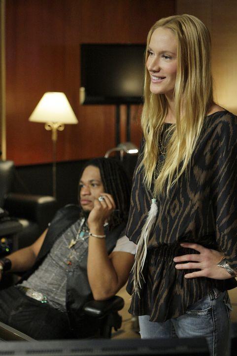 Will Laurel (Kelly Lynch) wirklich nur das Beste für Adrianna oder nutzt sie sie nur aus, um Kohle zu machen? - Bildquelle: TM &   CBS Studios Inc. All Rights Reserved