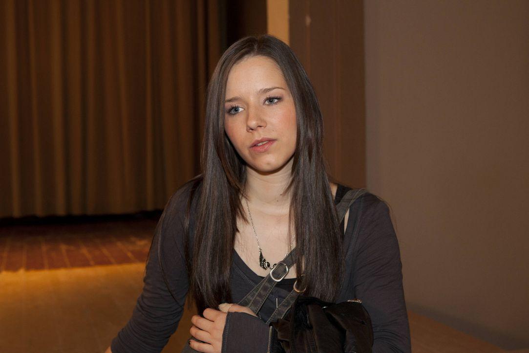 Luzi (Selina Müller) ist es leid, dass sie von den anderen ständig beleidigt wird ... - Bildquelle: David Saretzki SAT.1