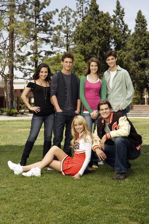 (1. Staffel) - Das Sex-Leben von Teenagern an einer High School und dessen Folgen: (v.l.n.r.) Adrian (Francia Raisa), Ricky (Daren Kagasoff), Grace... - Bildquelle: ABC Family