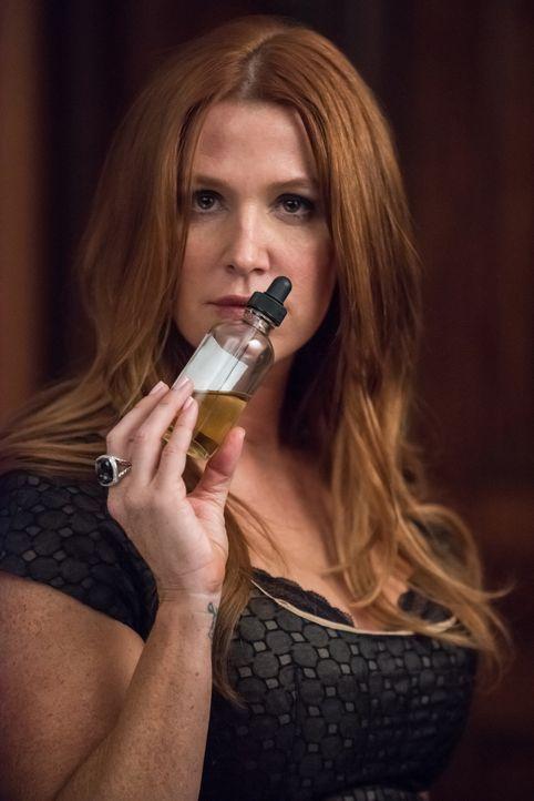 Ihrer Nase zu folgen, könnte Carrie (Poppy Montgomery) helfen, die Morde an einem Verkäufer und einem Computerhacker zu verknüpfen ... - Bildquelle: Jeff Neumann 2015, 2016 Sony Pictures Television Inc. All Rights Reserved.