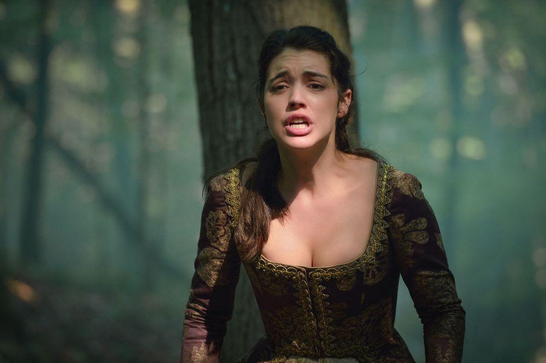 Eine Gruppe Gangster greift Mary (Adelaide Kane) im Wald an. Als Francis ihr zu Hilfe eilen will, gerät er in Lebensgefahr ... - Bildquelle: Ben Mark Holzberg 2015 The CW Network, LLC. All rights reserved.