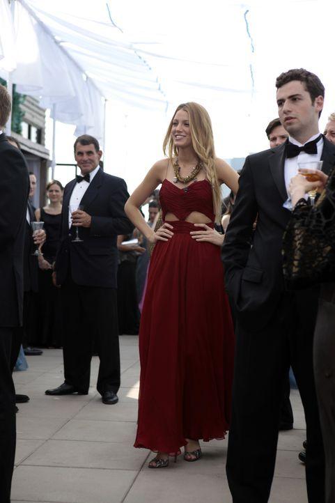 Blair versucht Chucks neugefundenes Glück zu zerstören, während Dan sich in einem Gefühlskarussell zwischen Serena (Blake Lively, M.) und Vanessa wi... - Bildquelle: Warner Bros. Television