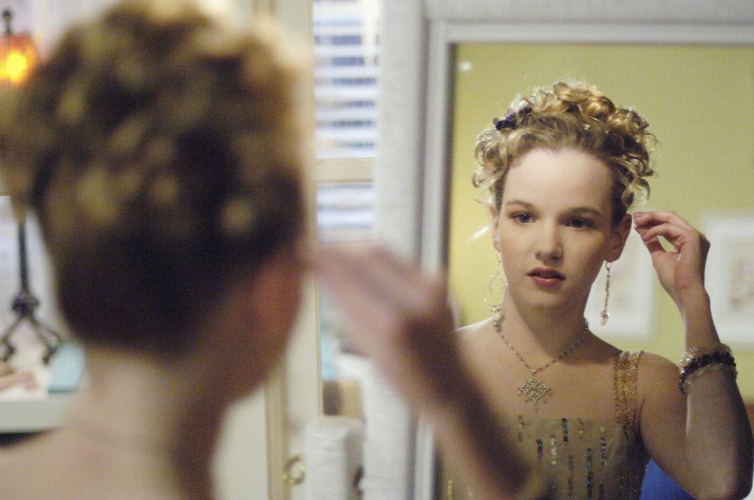 Über Nacht wird Jamie (Kay Panabaker) zur Bestseller-Autorin und kann sich ihr unbeschwertes Teenagerleben erst mal abschminken ... - Bildquelle: Buena Vista International Television