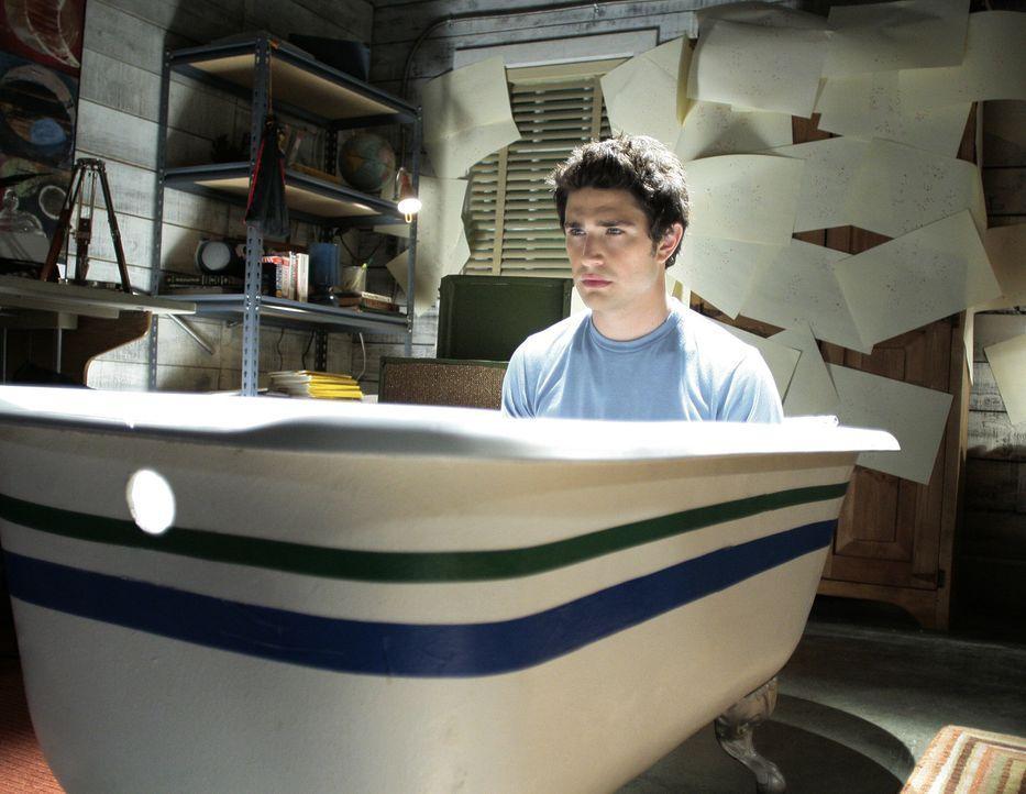 In der Nacht malt er seltsame Bilder, und auch sonst verändert sich Kyle (Matt Dallas) ... - Bildquelle: TOUCHSTONE TELEVISION