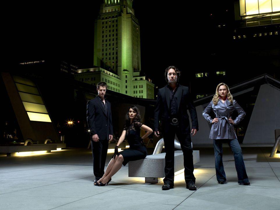 (1. Staffel) - Das Leben in Los Angeles hält für den Detektiven Mick St. John (Alex O'Loughlin, 2.v.r.) viele Probleme bereit. Nicht nur die beide... - Bildquelle: Warner Brothers