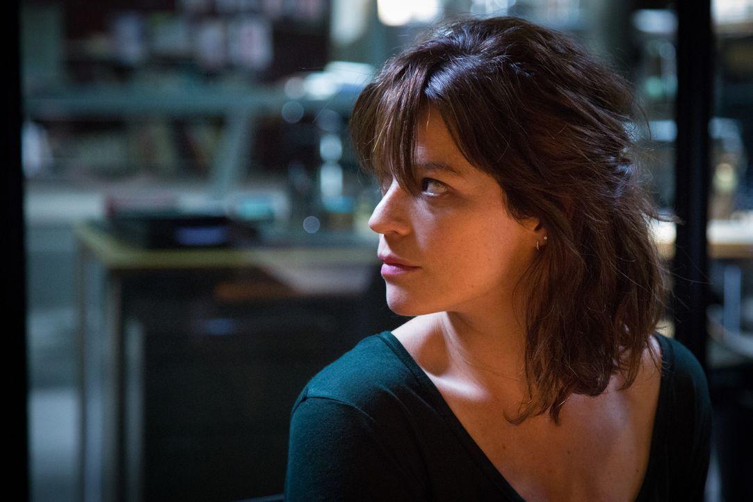 Adèle (Juliette Roudet) - Bildquelle: Eloïse Legay 2018 BEAUBOURG AUDIOVISUEL / TF1