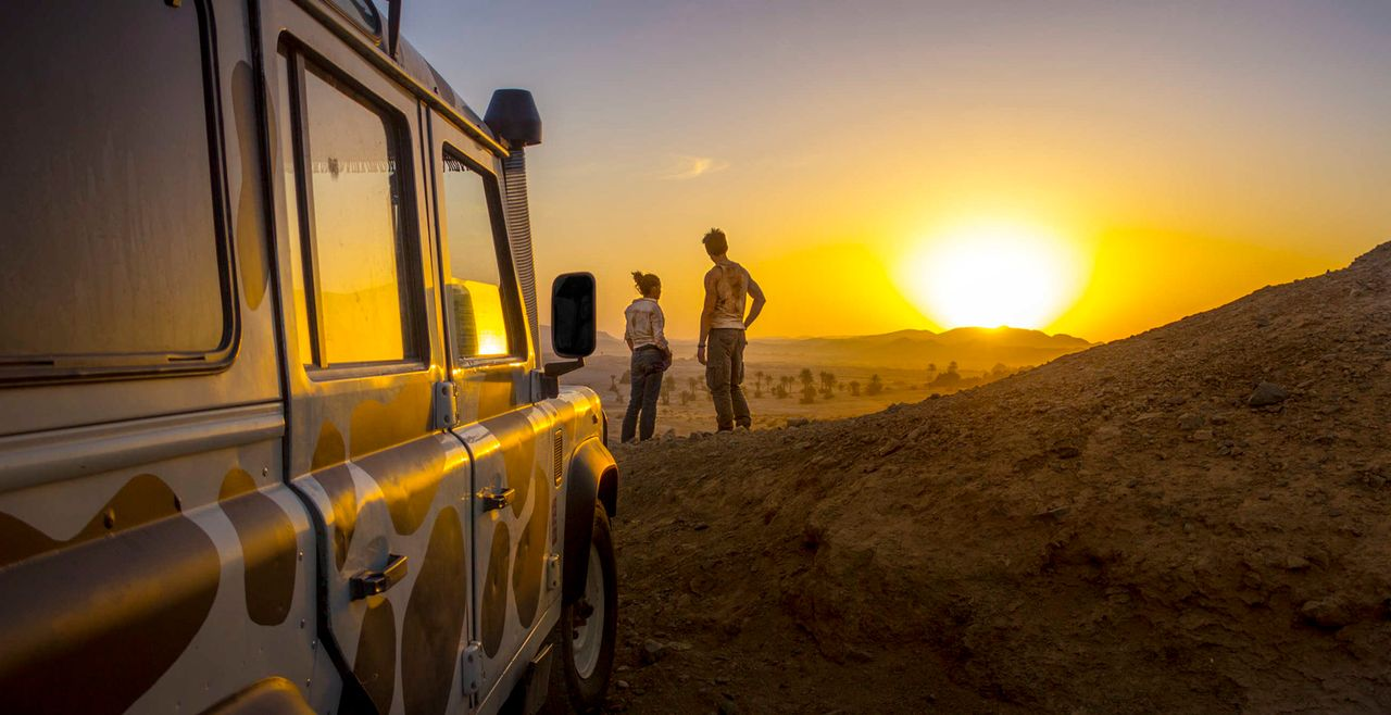 Eigentlich wollte Lucie (Jennifer Ulrich, l.) mit ihrem Verlobten ein paar schöne Tage in Marokko verbringen. Weil dieser mal wieder keine Zeit hat... - Bildquelle: Richard Krause SAT.1