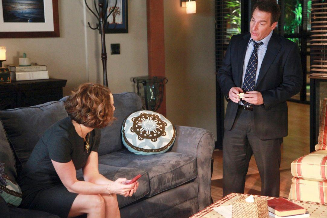 Werden mit neuen Problemen konfrontiert: Violet (Amy Brenneman, l.) und Sheldon (Brian Benben, r.) ... - Bildquelle: ABC Studios