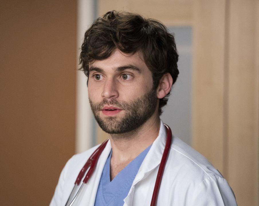 Dr. Levi Schmitt (Jake Borelli) - Bildquelle: Mitch Haaseth ABC Studios / Mitch Haaseth