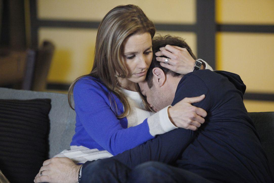 Während sich Addison und Jake mit potenziellen Leihmüttern treffen, ist die momentane Situation für Cooper (Paul Adelstein, r.) zu viel. Doch Charlo... - Bildquelle: ABC Studios