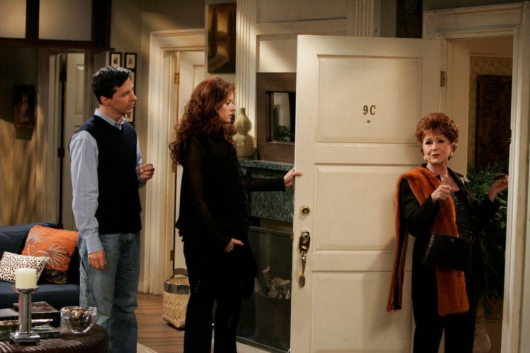 Grace (Debra Messing, M.) hat Probleme mir ihrer Mutter (Debbie Reynolds, r.), und um diese in Griff zu bekommen, bietet Jack (Sean Hayes, l.) ihr s... - Bildquelle: NBC Productions