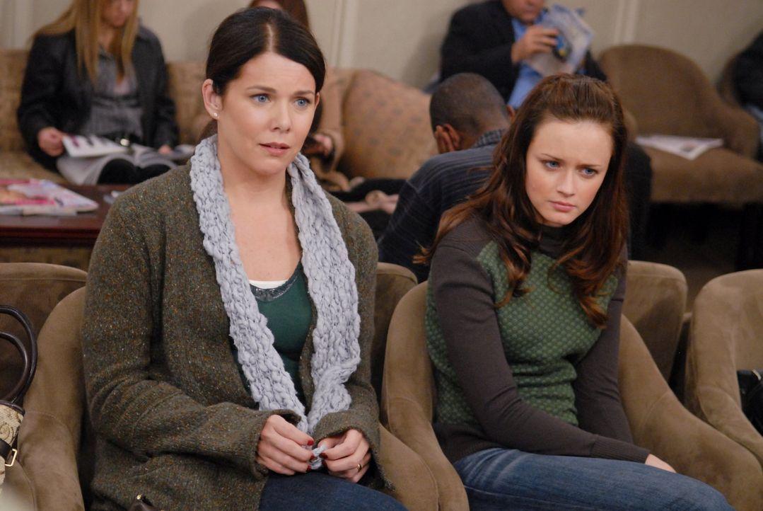 (v.l.n.r.) Lorelai (Lauren Graham); Rory (Alexis Bledel) - Bildquelle: Warner Bros.