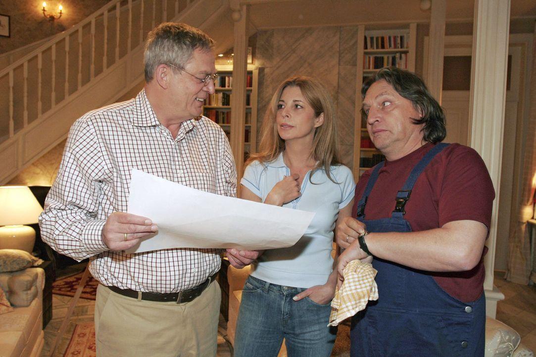 Friedrich (Wilhelm Manske, l.) verteidigt Laura (Olivia Pascal, M.) und Bernd (Volker Herold, r.) gegenüber seine neu entdeckten Malkünste. - Bildquelle: Sat.1