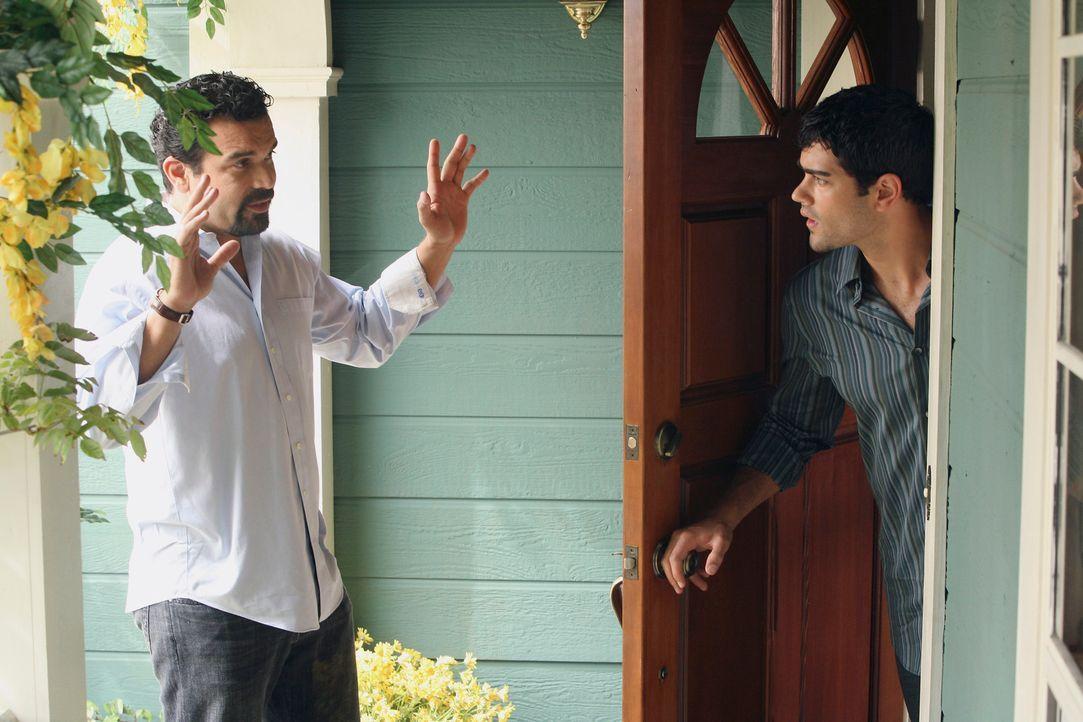 Was hat Carlos (Richardo Antonio Chavira, l.) mit John (Jesse Metcalfe, r.) vor? - Bildquelle: ABC Studios