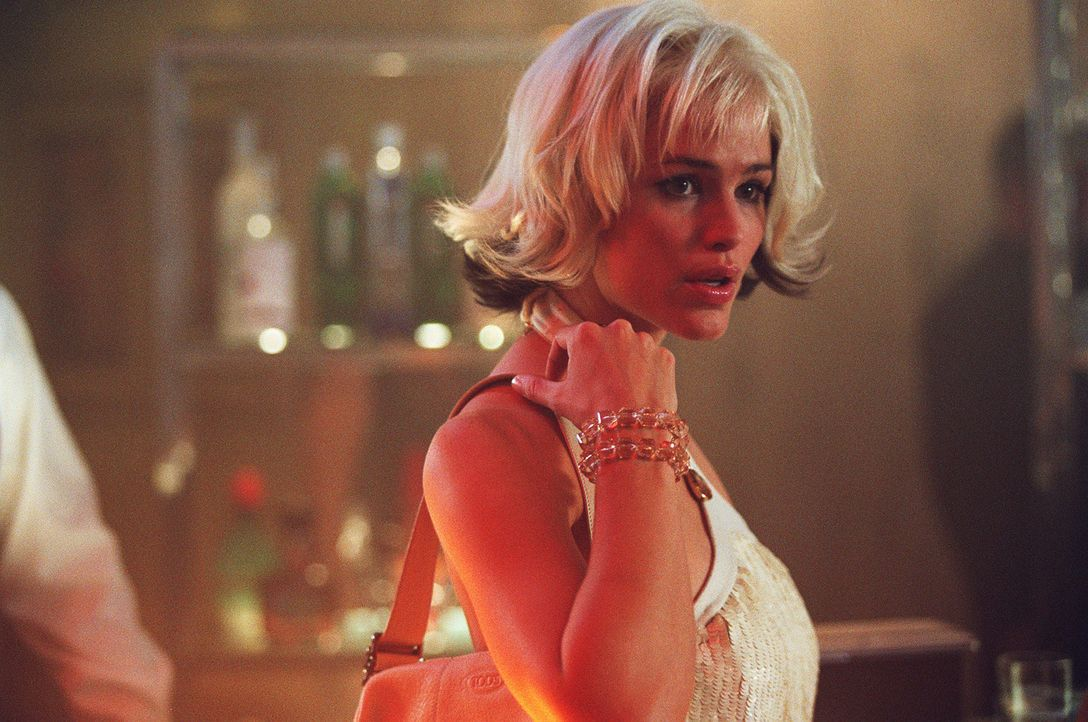 Sydneys (Jennifer Garner) Gefühle nehmen überhand, als sie sich plötzlich Allison gegenüber sieht, der Doppelgängerin von Francie, die für tot... - Bildquelle: Touchstone Television