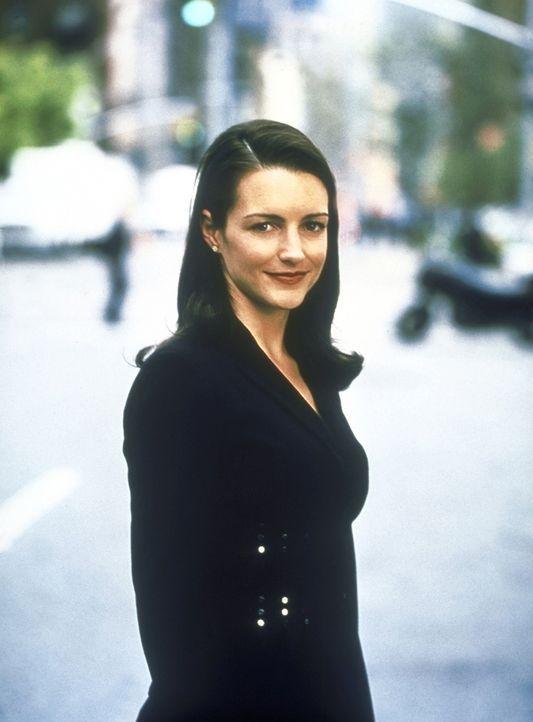 (2. Staffel) - Charlotte (Kristin Davis), die leichtgläubigste der vier Freundinnen, glaubt unbeirrbar an die Existenz des Traumprinzen. Und so stür... - Bildquelle: Paramount Pictures