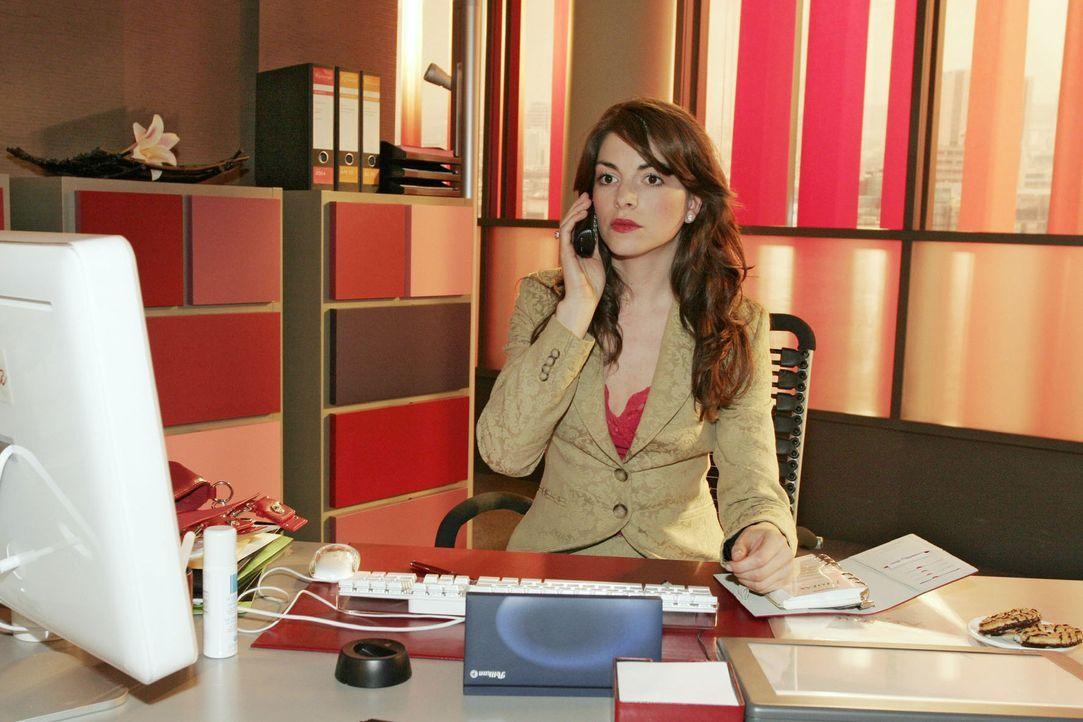 """Mariella (Bianca Hein) ist ein wichtiger Sponsor für den """"Kerima Award"""" abgesprungen. - Bildquelle: Sat.1"""